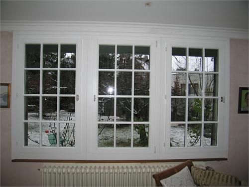 Ernst riesen ag schreinerei innenausbau for Fenster mit sprossen